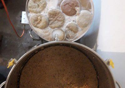 Rincage des drêches et infusion du houblon BIO de la ferme